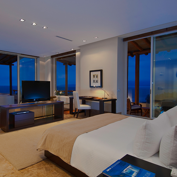 Suite Imperial Spa: Electrónicos en suite en Grand Velas Riviera Nayarit