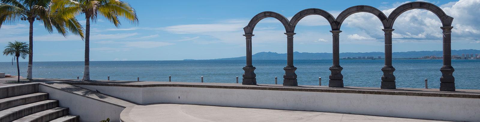 Malecón Puerto Vallarta en México