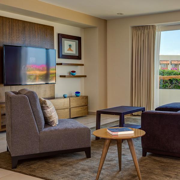 Suite Familiar de Dos Recámaras: Electrónicos en suite en Grand Velas Riviera Nayarit