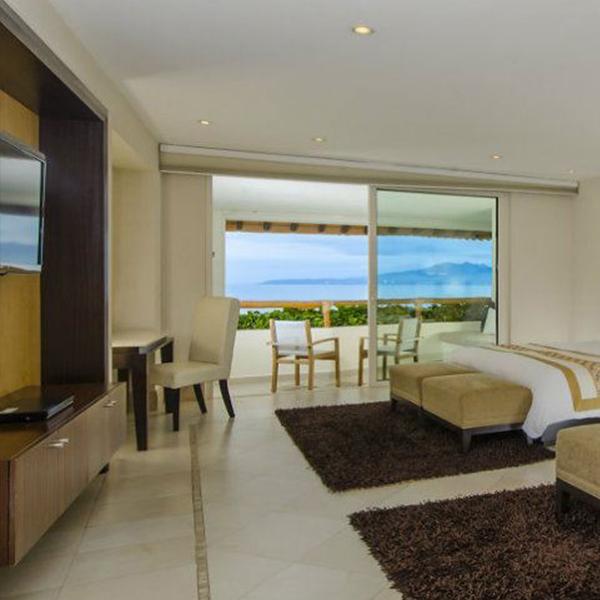 Suite Presidencial de Dos Recámaras: Electrónicos en suite en Grand Velas Riviera Nayarit